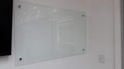Pizarra en vidrio transparente
