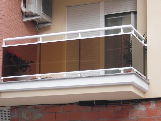 Barandas en vidrio aluminio y acero inoxidable - Cerramientos de aluminio para balcones ...