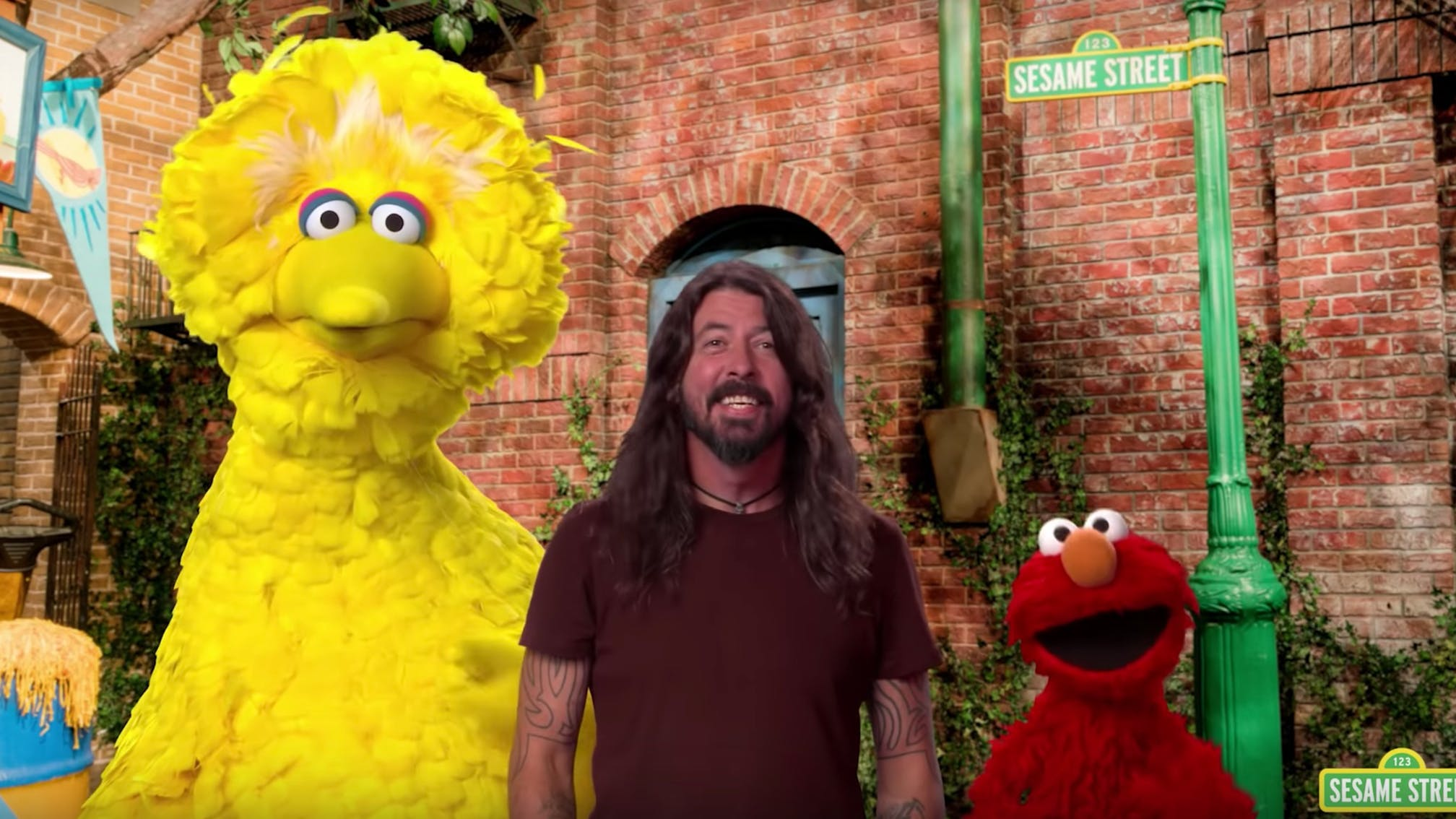 Dave Grohl's Appearance on Sesame Street Is The Most Adorable Thing You'll See Today