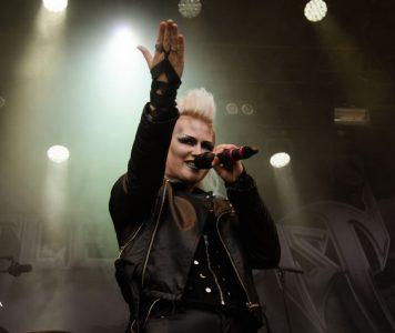 """Battle Beast kiilasi Suomen virallisen listan kärkeen albumillaan """"Bringer Of Pain"""""""