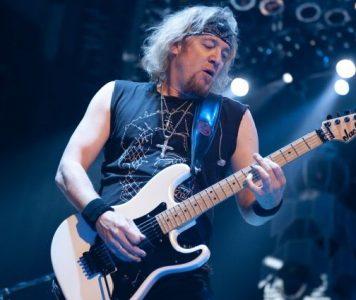 Iron Maiden-kitaristi Adrian Smith 60 vuotta
