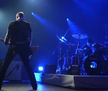 "Exit Light.. Metallicalta virallista livevideota – kappaleena ""Enter Sandman"""