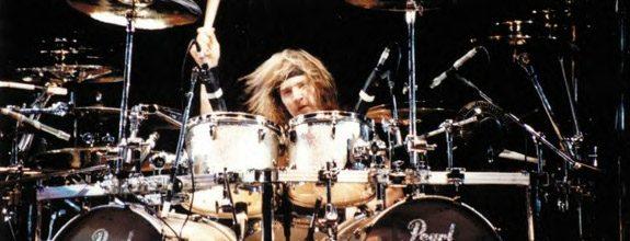 """Eric Singer ensimmäisestä Kiss-keikastaan: """"Bändi oli hermostuneempi kuin minä"""""""