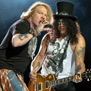 Guns N`Rosesin Hämeenlinnan keikka lähestyy – Paikalle saapuu yli 50 000 fania.