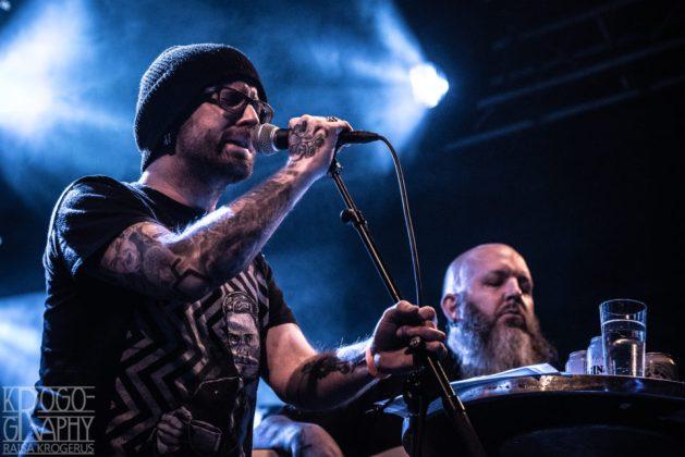 Swallow The Sun Acoustic Trio avasi illan Nosturissa itsenäisyyspäivän aattona.