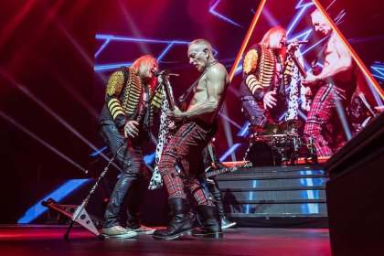 Permalink to: Gig Review: DEF LEPPARD Get It On In Cardiff