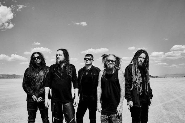 Korn Band Members, Black and White, Skyline, Horizon, Dessert