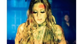 bluesPills-ladyingold-video1