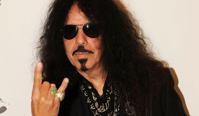 "frankibanali - QUIET RIOT's Frankie Banali Slams Haters: ""If You Don't Like Me, Don't Buy Our Music"""