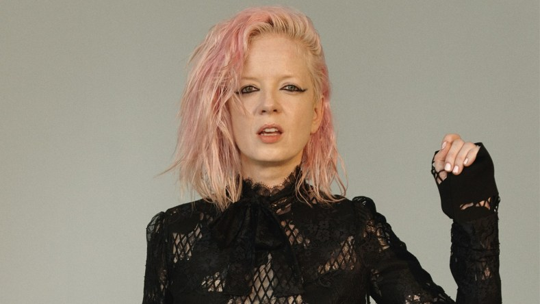 shirley manson - Grunge Singer Reveals Why Rock Is Sexist And 'Was Designed By The Patriarchy'