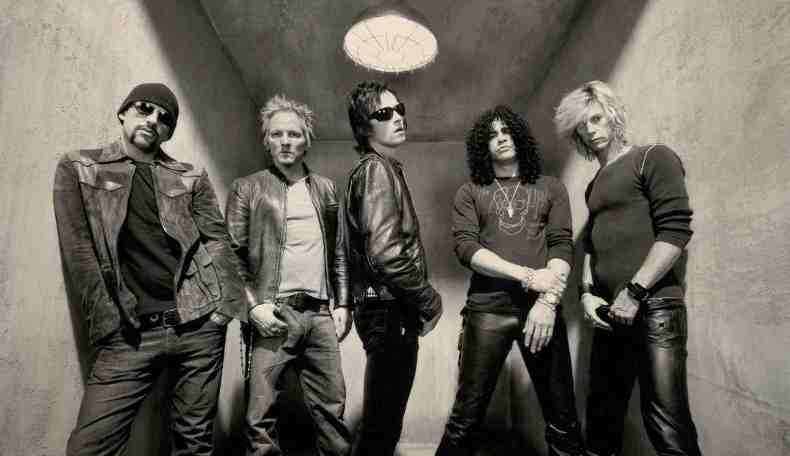 velvet revolver - VELVET REVOLVER's Dave Kushner On What's It Like Being in a Band With Drug Addicts