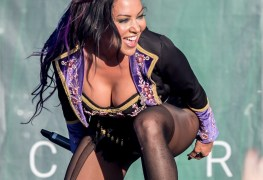 """BUTCHER BABIES 02 - BUTCHER BABIES Singer - """"I Wear More Clothes Onstage Than Most People Wear To Church"""""""