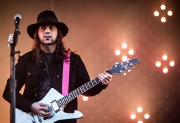 "daron malakian - SYSTEM OF A DOWN Guitarist: ""Trump Does Things That Would Have Got Another President Impeached"""