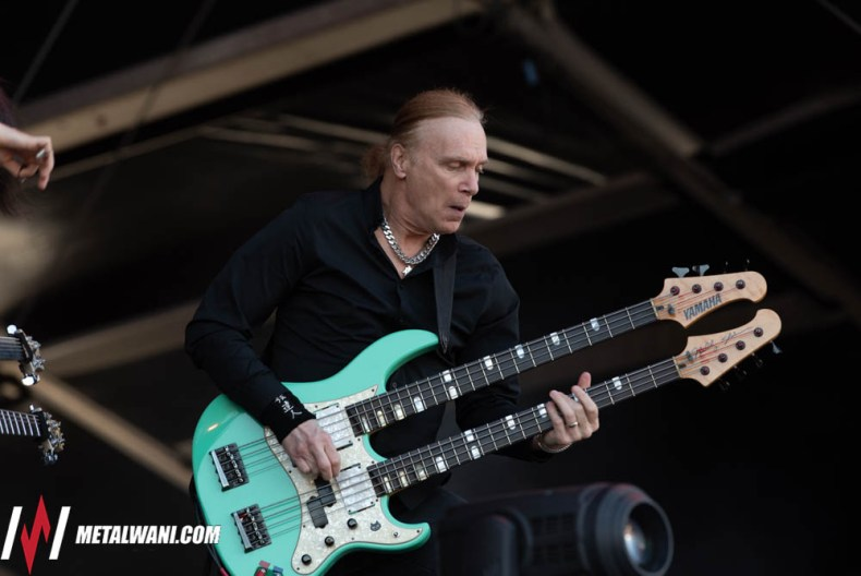 VIK9780 - Billy Sheehan Says He Was Offered To Join VAN HALEN 3 Times