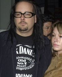 Jonathan and Deven Davis - KORN Singer's Wife, Deven Davis, Dead At 39