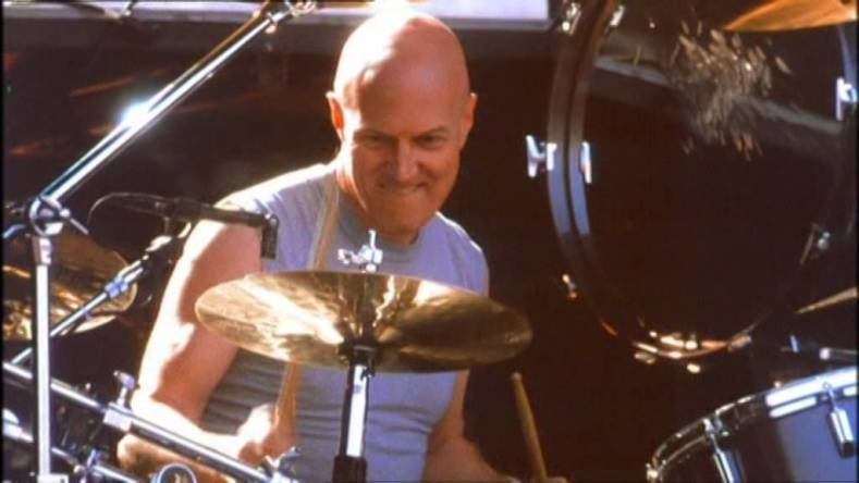 "chris slade - Chris Slade Says AC/DC Treated Him Unfairly: ""I Didn't Touch a Drumstick for 3 Years After I Left the Band"""