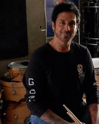 "Deen - Deen Castronovo Explains Why He's Very Loyal To Neal Schon: ""I Would Do Anything For Him"""