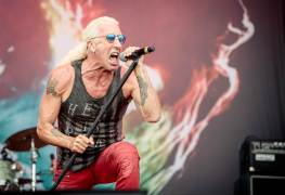 Dee Snider - DEE SNIDER Slams Avianca Airlines For Sharing Sensitive Information And Judging His Daughter's Appearance