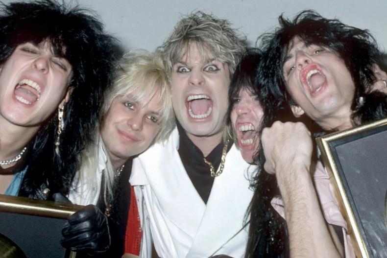Ozzy Motley - MÖTLEY CRÜE Bassist Nikki Sixx Recalls Ozzy Osbourne Running For Cocaine