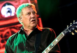 alexlifeson - Guitarist Alex Lifeson Is at Peace With RUSH Being Over