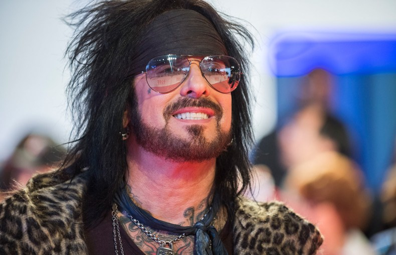 sixx nikki - MÖTLEY CRÜE's Nikki Sixx Shares A Major Update On New Music
