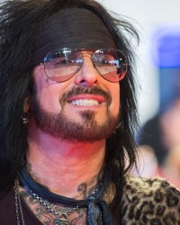 sixx nikki - Nikki Sixx Singles Out The Worst Thing About Being in MOTLEY CRUE