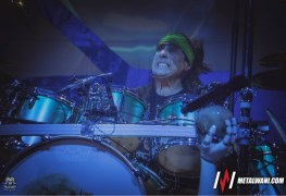 "Dream Theatre 35 MW - DREAM THEATER's Mike Mangini Slams Fans For Never Ending Mangini/Portnoy Battle: ""How Can You Give Me Cr*p?"""