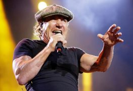 Brian Johnson - AC/DC's Brian Johnson Talks Getting Down On His Knees & Begged Just To See JIMI HENDRIX Live
