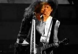 Joe perry Steven Tyler - Watch AEROSMITH's Steven Tyler & Joe Perry's Romantic Moment On Stage