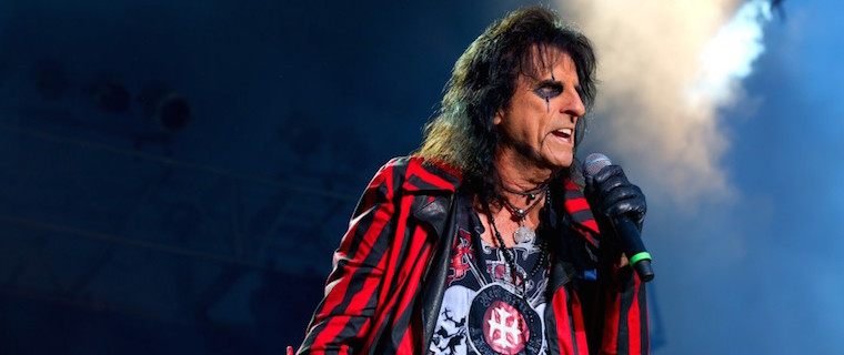 "Alice Cooper - ALICE COOPER To Fans: ""You Wanna Talk About A Rebel - Jesus Christ Was The Ultimate"""