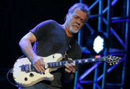 Eddie Van Halen - EDDIE VAN HALEN Is Offering Rockin' Guitars For Your Holiday