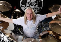 nicko15 - Nicko McBrain Recalls 'Embarrassing' IRON MAIDEN Show Made Him Want To Quit The Band