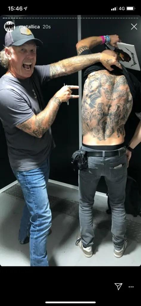 Metallica Fan - METALLICA Fan Surprises James Hetfield With His Insane Tattoo; Hetfield Approves It