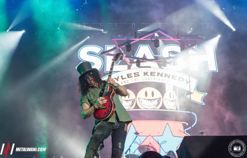 Slash Hellfest 2019 16 - GUNS N' ROSES Engineer Says SLASH Drooled Uncontrollably While Recording Guitar Solos