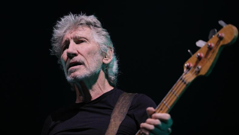 "rogerwaters - PINK FLOYD's Roger Waters Makes Coronavirus Announcement: ""I've A Good & Bad News"""