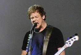 """Jason Newsted - Jason Newsted Says Touring With METALLICA Damaged His Body: """"I Lost 3 Pounds Every Show"""""""
