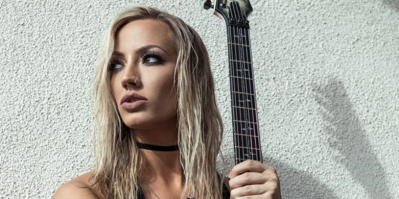 """Nita Strauss - Nita Strauss: """"James Hetfield Is Rock And Roll As F*ck For Getting His Demons Under Control"""""""