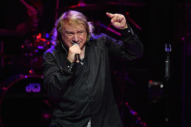 """lougramm - Original FOREIGNER Singer Lou Gramm Hospitalized: """"I Would Be In Big Trouble"""""""
