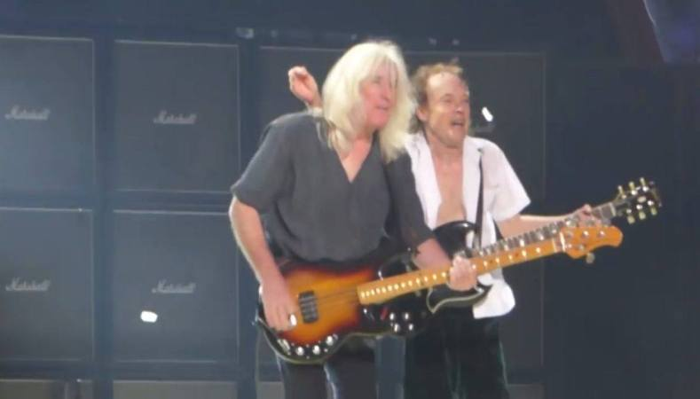 cliffangus - AC/DC Bassist Cliff Williams Is Back On Stage; Here Are The Photos & Videos