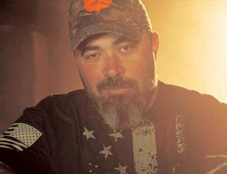 "Aaron Lewis - STAIND's Aaron Lewis Talks Trump's Impeachment: ""It Couldn't Have Been More Unconstitutional"""