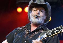 ted nugent - TED NUGENT Addresses The Greatest Guitarist of All Time