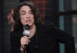 paul stanley - KISS' Paul Stanley Mocks Gene Simmons 'Rock Is Dead' Statement