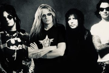 Crue Bach - Could MOTLEY CRUE Have Become Bigger With Sebastian Bach Instead of John Corabi In '94?