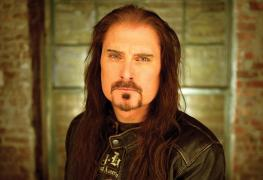 James LaBrie - James LaBrie Recalls How IRON MAIDEN Treated DREAM THEATER As An Opening Band