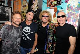 Chickenfoot - Michael Anthony Confirms CHICKENFOOT Will Reunite & Play Again