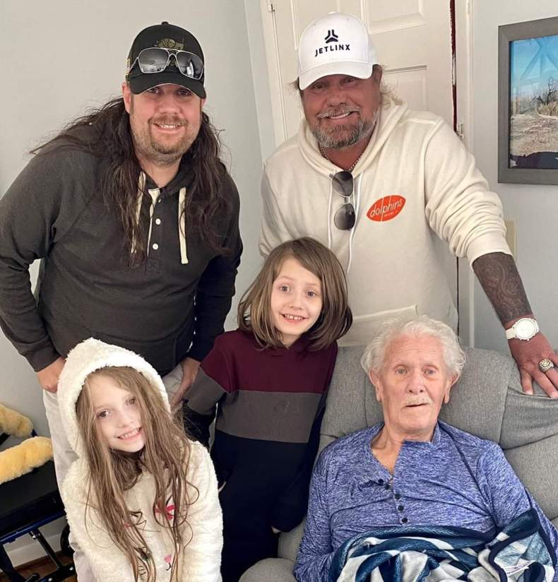 FB IMG 1615054053745 - MOTLEY CRUE's Vince Neil Mourns Death Of His Father