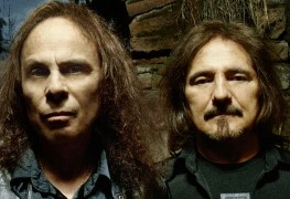 geezer butler ronnie james dio - Geezer Butler Says He Showed 'Devil Horns' Gesture To Ronnie James Dio Way Before He Made It Famous