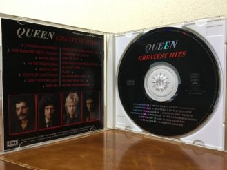 Queen Greatest Hits CD Jacket