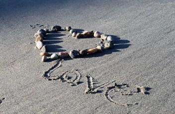 love-735567_1280
