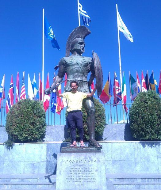 En la estatua del Rey Leónidas. (Esparta, Grecia)